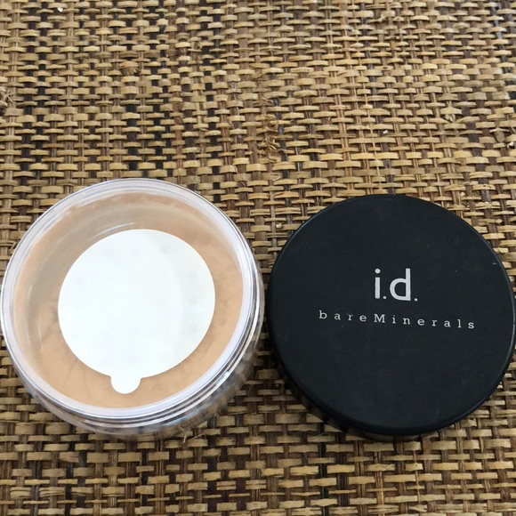 Bare Minerals fairly light foundation